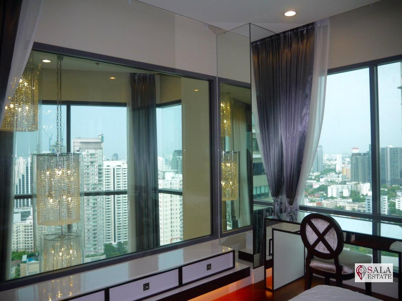 SALA ESTATE Agency's (FOR RENT) BRIGHT SUKHUMVIT 24 - BTS PHROM PHONG, DUPLEX TYPE,3 BEDROOMS 3 BATHROOMS, FULLY FURNISHED,CITY VIEW,HIGH FLOOR 11