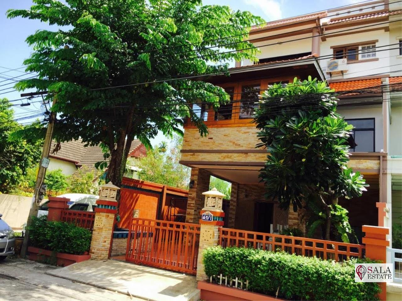SALA ESTATE Agency's ( FOR SALE ) TOWNHOME - SUKHUMVIT 101/1, 3 FLOORS, 4 BEDROOMS 4 BATHROOMS, FULLY FURNISHED 1