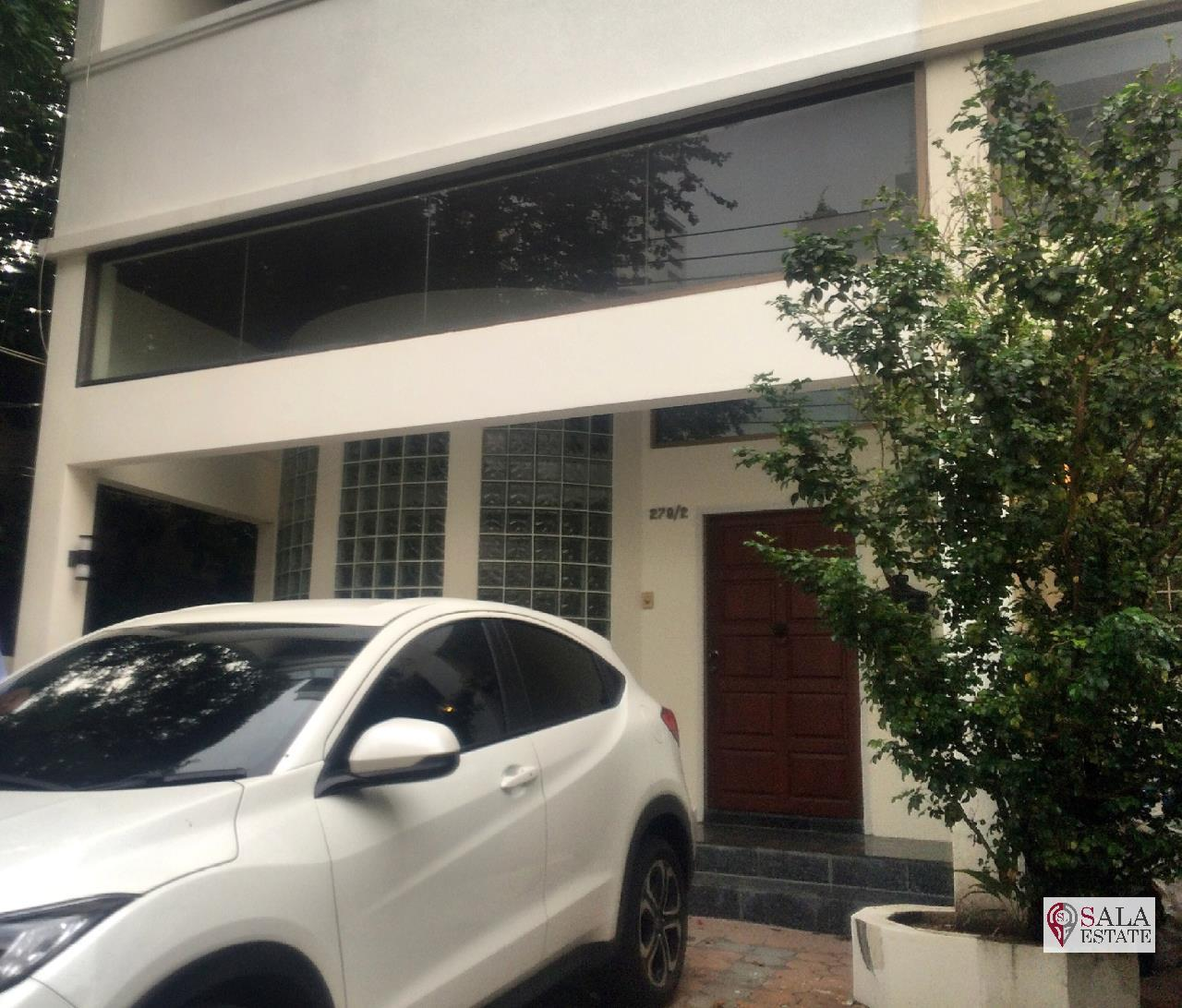 SALA ESTATE Agency's ( FOR RENT/SELL ) TOWNHOUSE IN SUKHUMVIT SOI 31 - 4 FLOORS, 3 BEDROOMS 5 BATHROOMS, FULLY FURNISHED 2