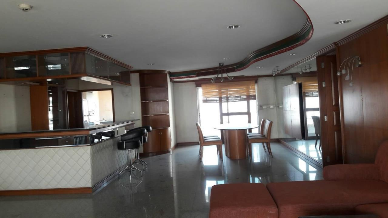 SALA ESTATE Agency's 4 bedroom 5 bahtroom  for  Rent in Saichol Mansion near BTS Saphan Taksin4 4