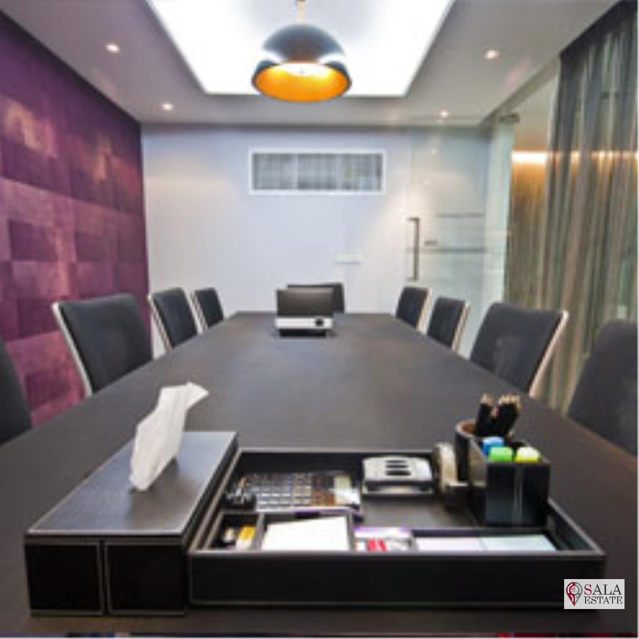 SALA ESTATE Agency's OFFICE SPACE AT SUKHUMVIT 13 - BTS NANA - TERMINAL 21 2