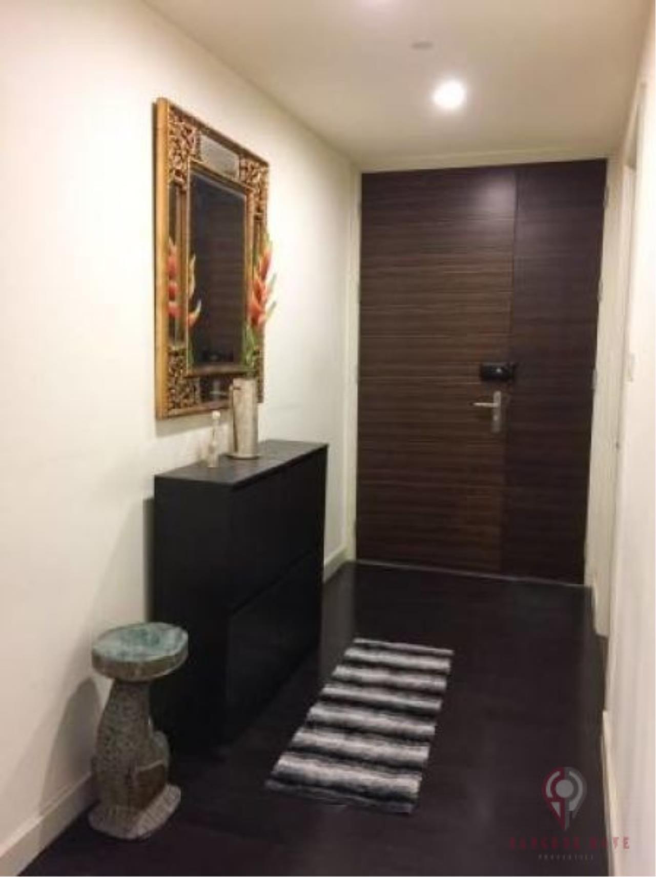 SALA ESTATE Agency's 2 bedroom Condo Watermark Chaophraya River -Near BTS Saphan Taksin 4