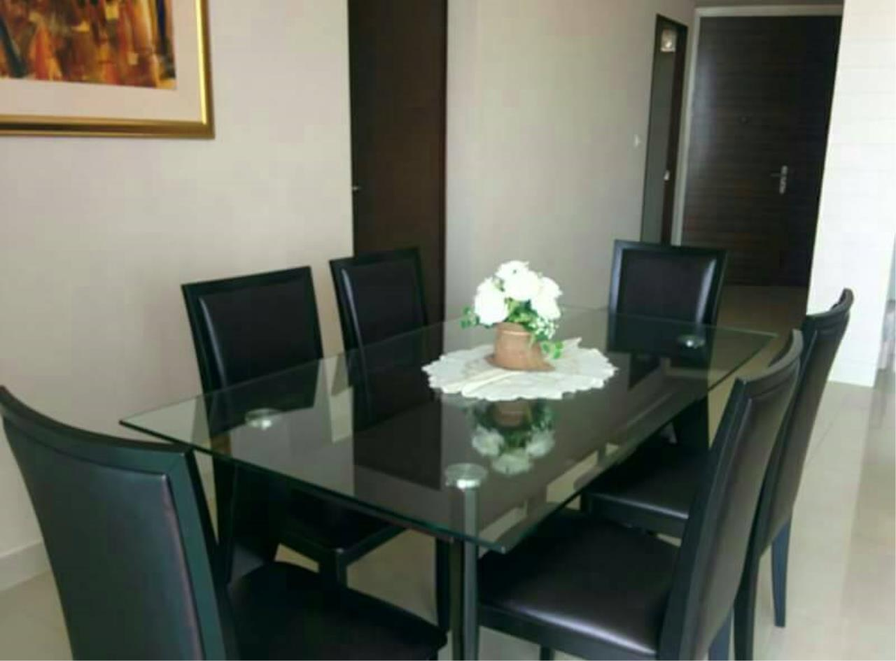SALA ESTATE Agency's 3 bedroom  condo for sale in Watermark Chaophraya River near BTS Saphan Taksin 11