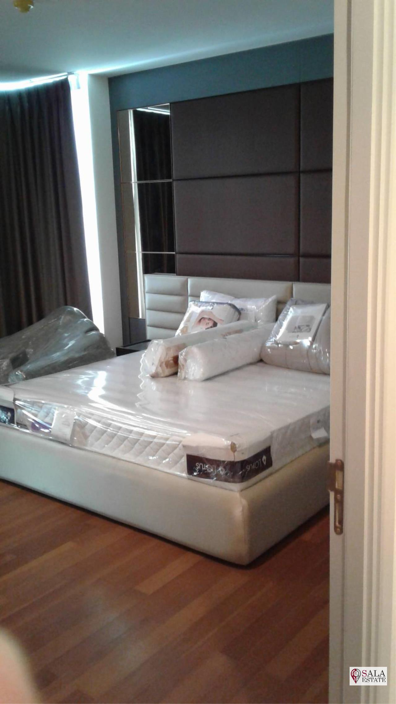 SALA ESTATE Agency's 3 bedroom condo for Sale in WaterMark Chaophraya River, Pets are allowed 11