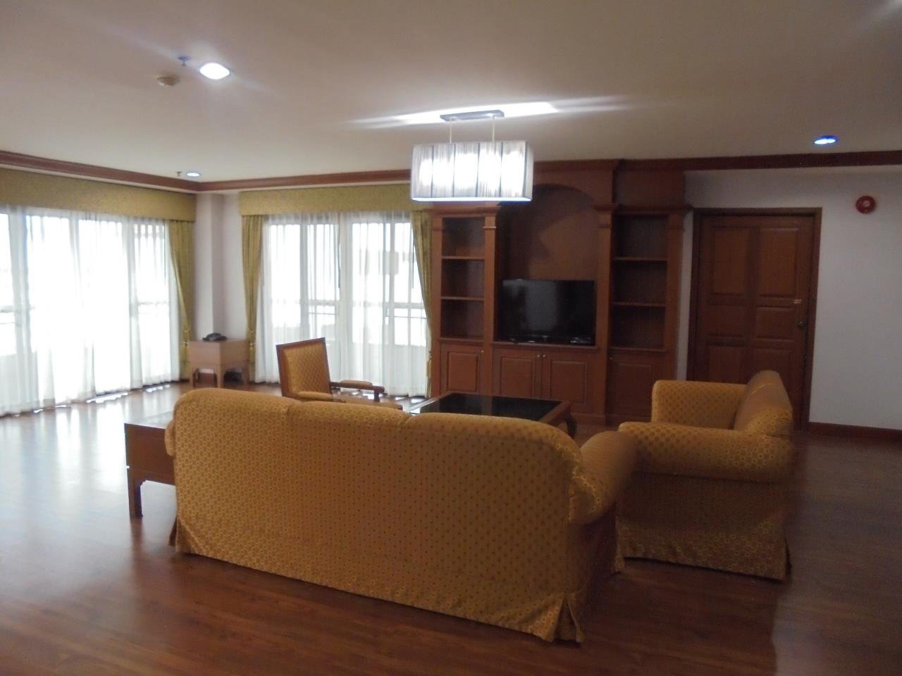 RE/MAX CondoDee Agency's Penthouse for Rent in Asoke - Quite & Central Location 10