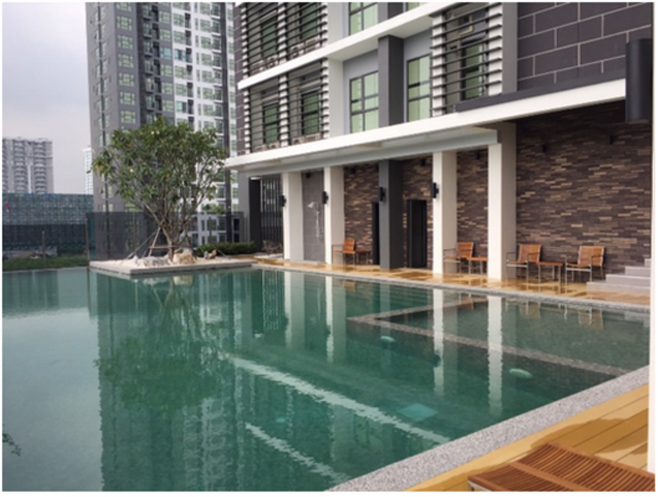 RE/MAX CondoDee Agency's Small Condo @ Asoke - Rama 9 - HOT DEAL! 7