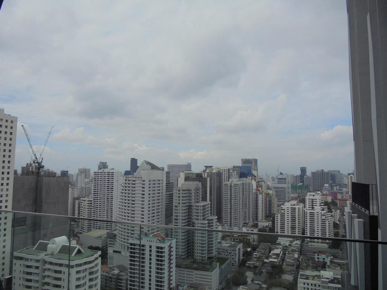 RE/MAX CondoDee Agency's New Condo for Rent @ BTS Asoke 1