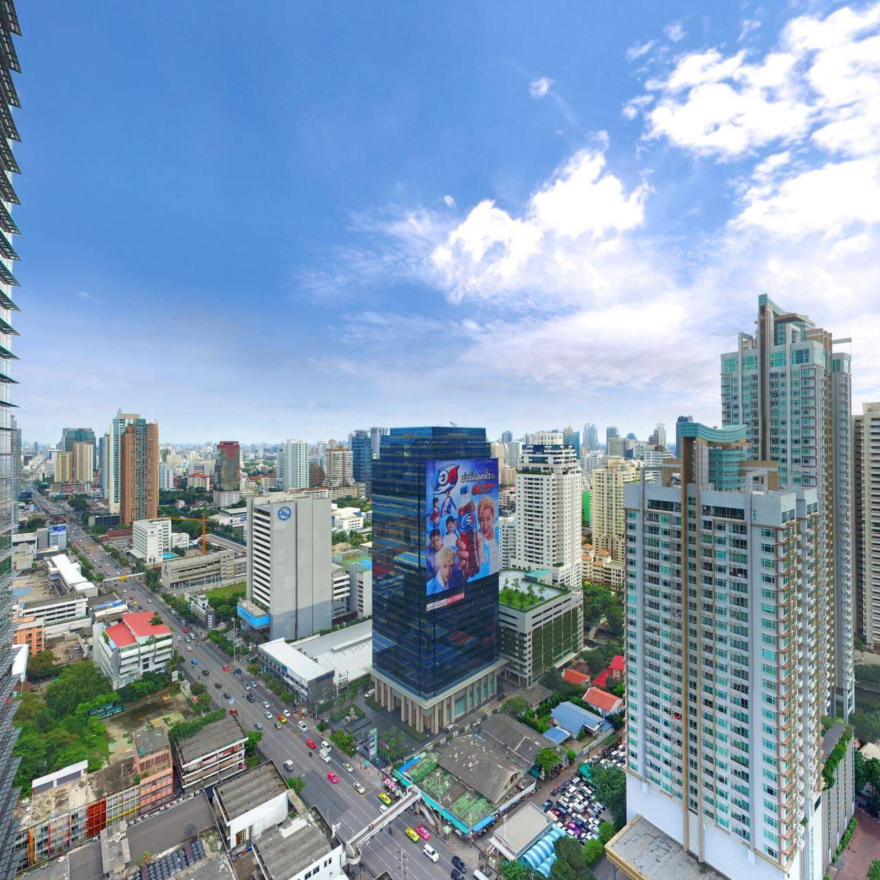 RE/MAX CondoDee Agency's Top Floor High Rise Condo - Investment 3