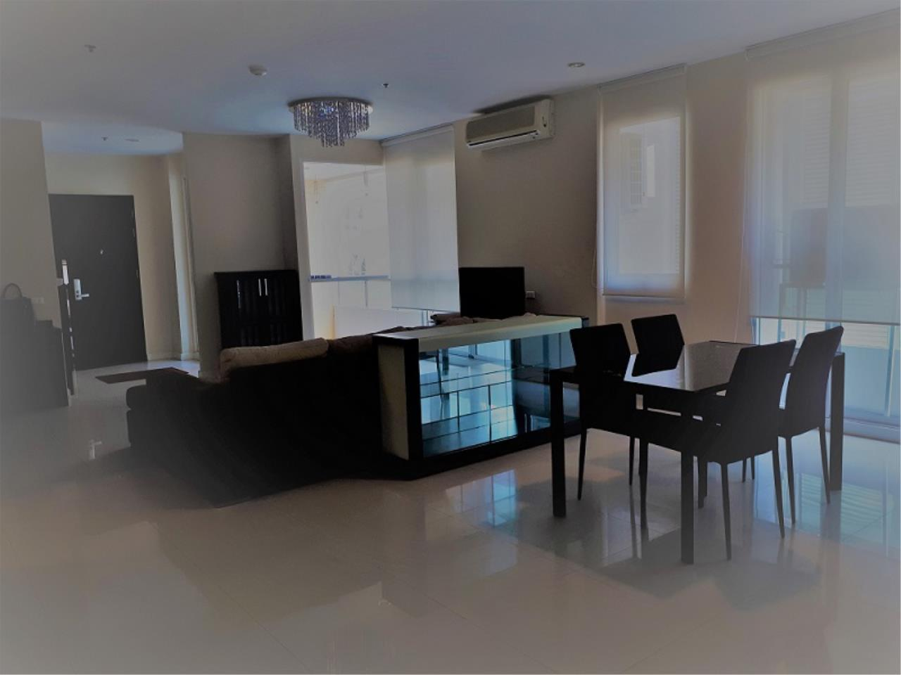 RE/MAX CondoDee Agency's Spacious 3 Bedrooms Condo @ Sukhumvit 11 8