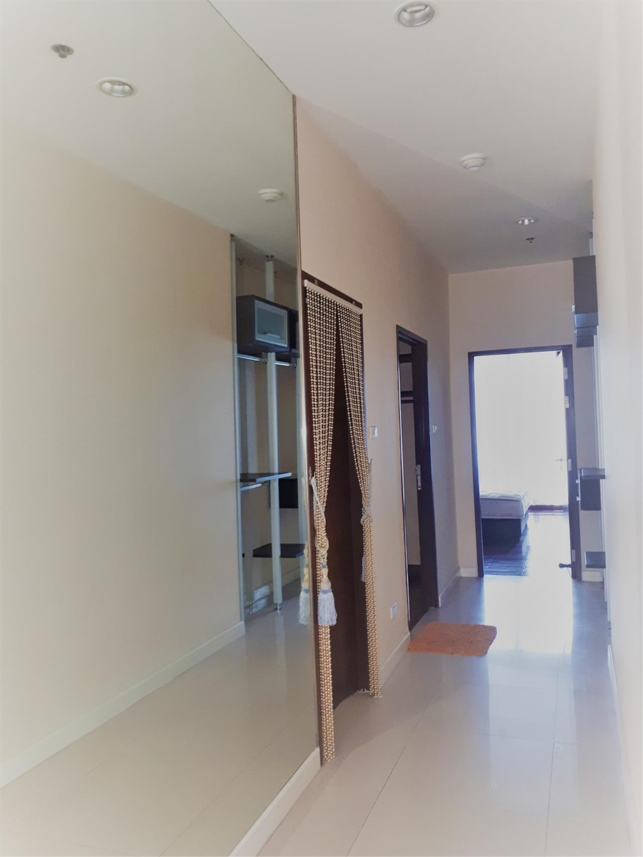 RE/MAX CondoDee Agency's Spacious 3 Bedrooms Condo @ Sukhumvit 11 10