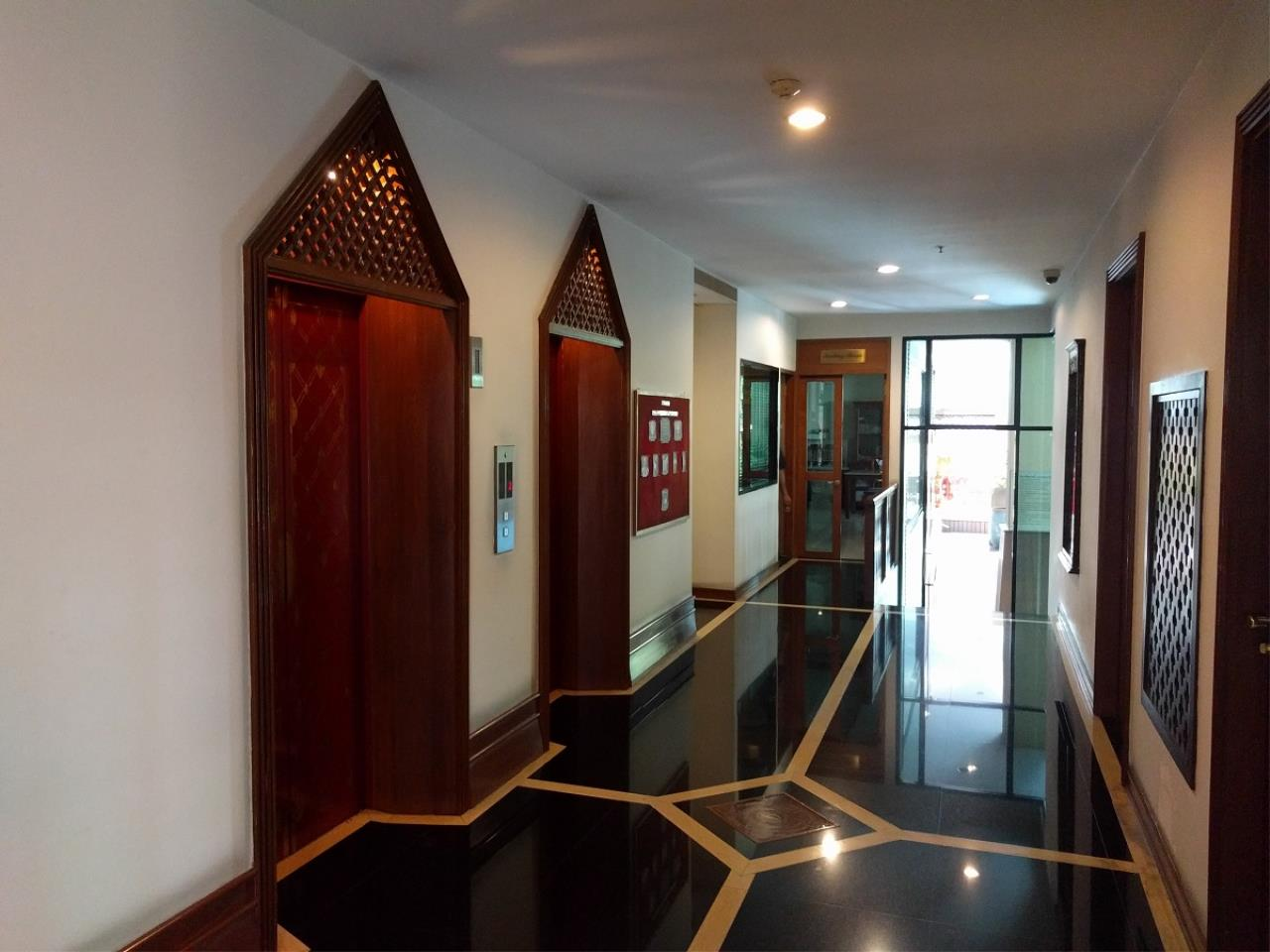 RE/MAX CondoDee Agency's Thai Elegance Luxury Condominium - Entire Building for Sale 2