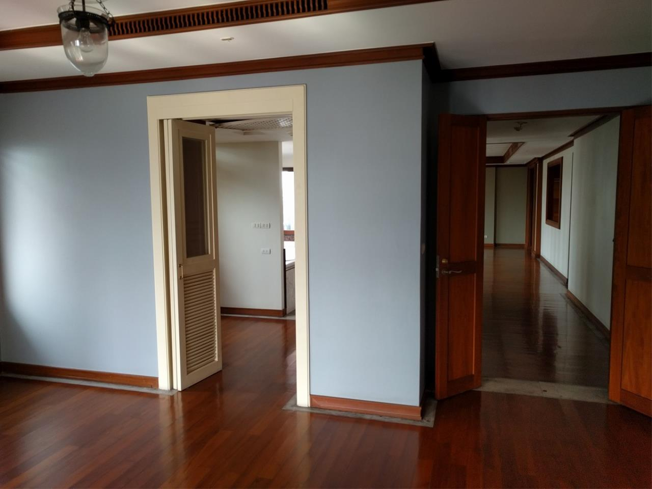 RE/MAX CondoDee Agency's Thai Elegance Luxury Condominium - Entire Building for Sale 4