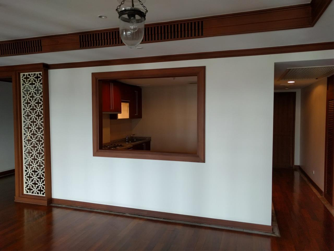 RE/MAX CondoDee Agency's Thai Elegance Luxury Condominium - Entire Building for Sale 6