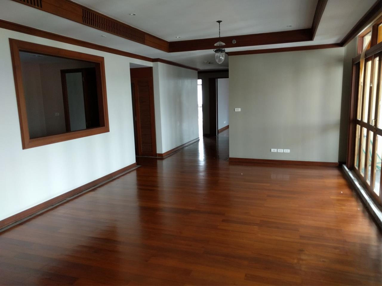 RE/MAX CondoDee Agency's Thai Elegance Luxury Condominium - Entire Building for Sale 9