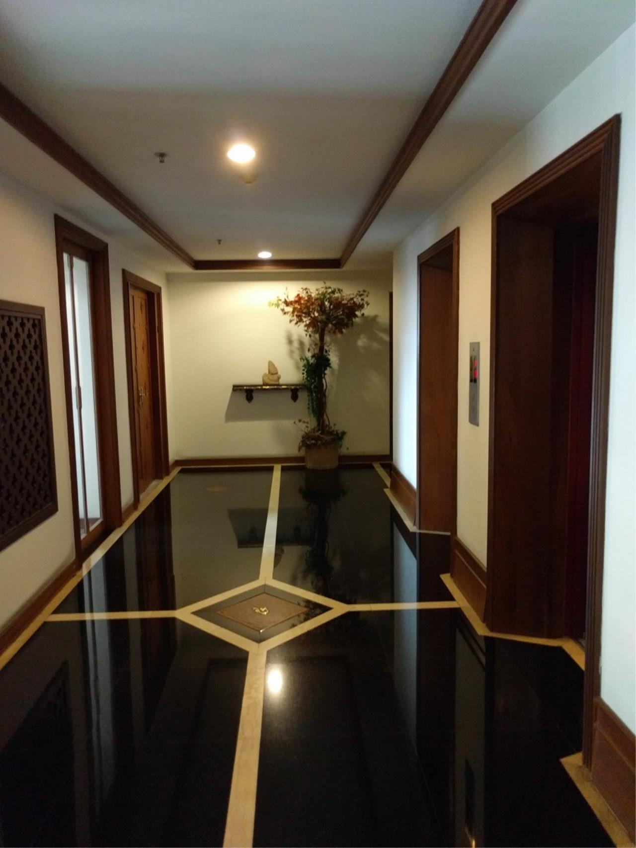 RE/MAX CondoDee Agency's Thai Elegance Luxury Condominium - Entire Building for Sale 3