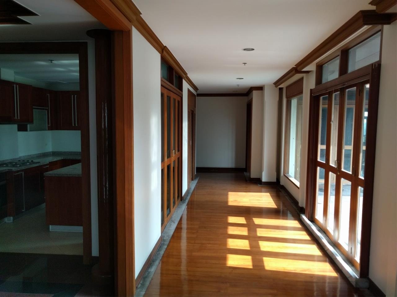 RE/MAX CondoDee Agency's Thai Elegance Luxury Condominium - Entire Building for Sale 20