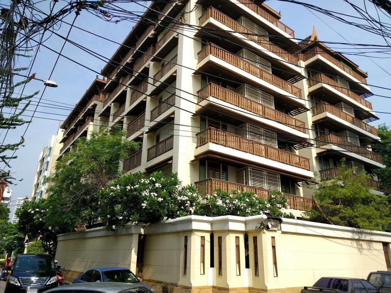 RE/MAX CondoDee Agency's Thai Elegance Luxury Condominium - Entire Building for Sale 1