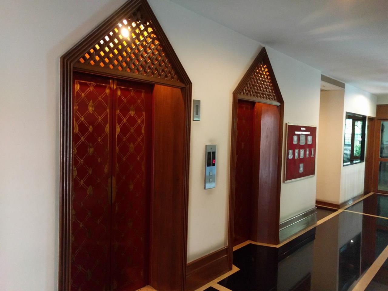 RE/MAX CondoDee Agency's Thai Elegance Luxury Condominium - Entire Building for Sale 25