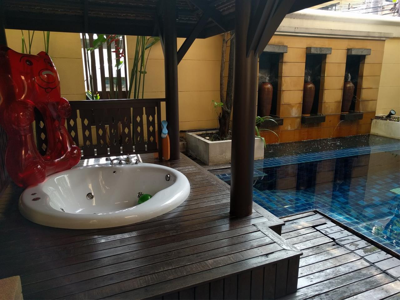 RE/MAX CondoDee Agency's Thai Elegance Luxury Condominium - Entire Building for Sale 29