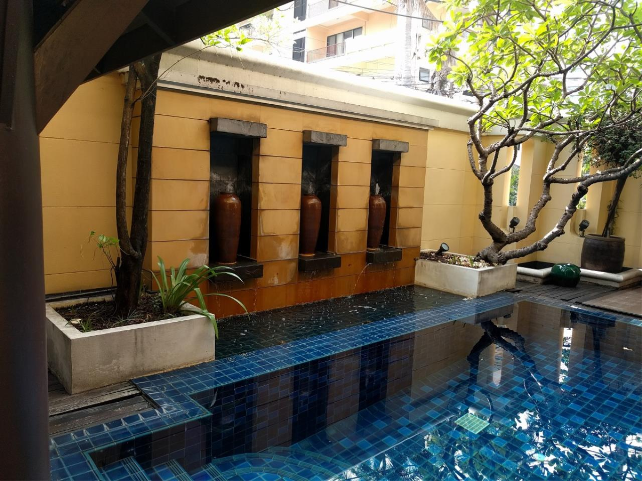 RE/MAX CondoDee Agency's Thai Elegance Luxury Condominium - Entire Building for Sale 31