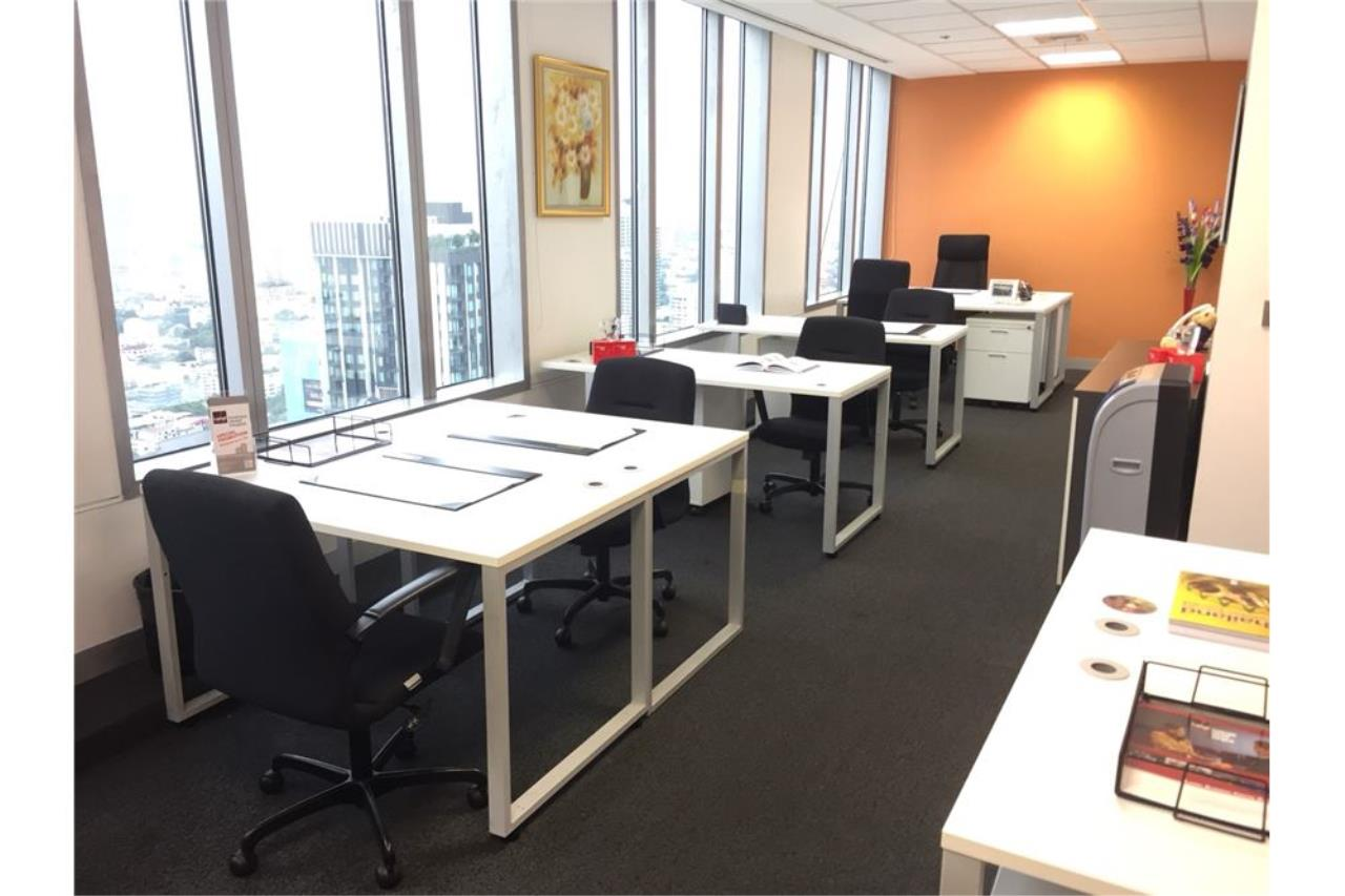 RE/MAX Executive Homes Agency's New office space for rent in Exchange Tower 42.fl 3