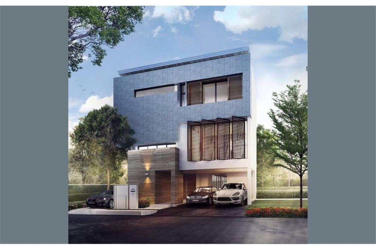 RE/MAX Executive Homes Agency's PARC PRIVA RAMA9 House 4 Bedrooms For Rent 1