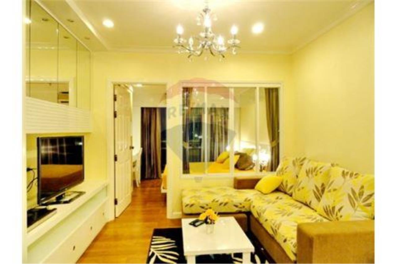 RE/MAX Executive Homes Agency's Cozy 1 Bedroom for Rent Grand Park View 1