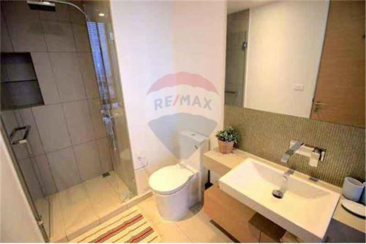 RE/MAX Executive Homes Agency's Modern 2 Bedrooms for Rent at Lofts Ekkamai 5