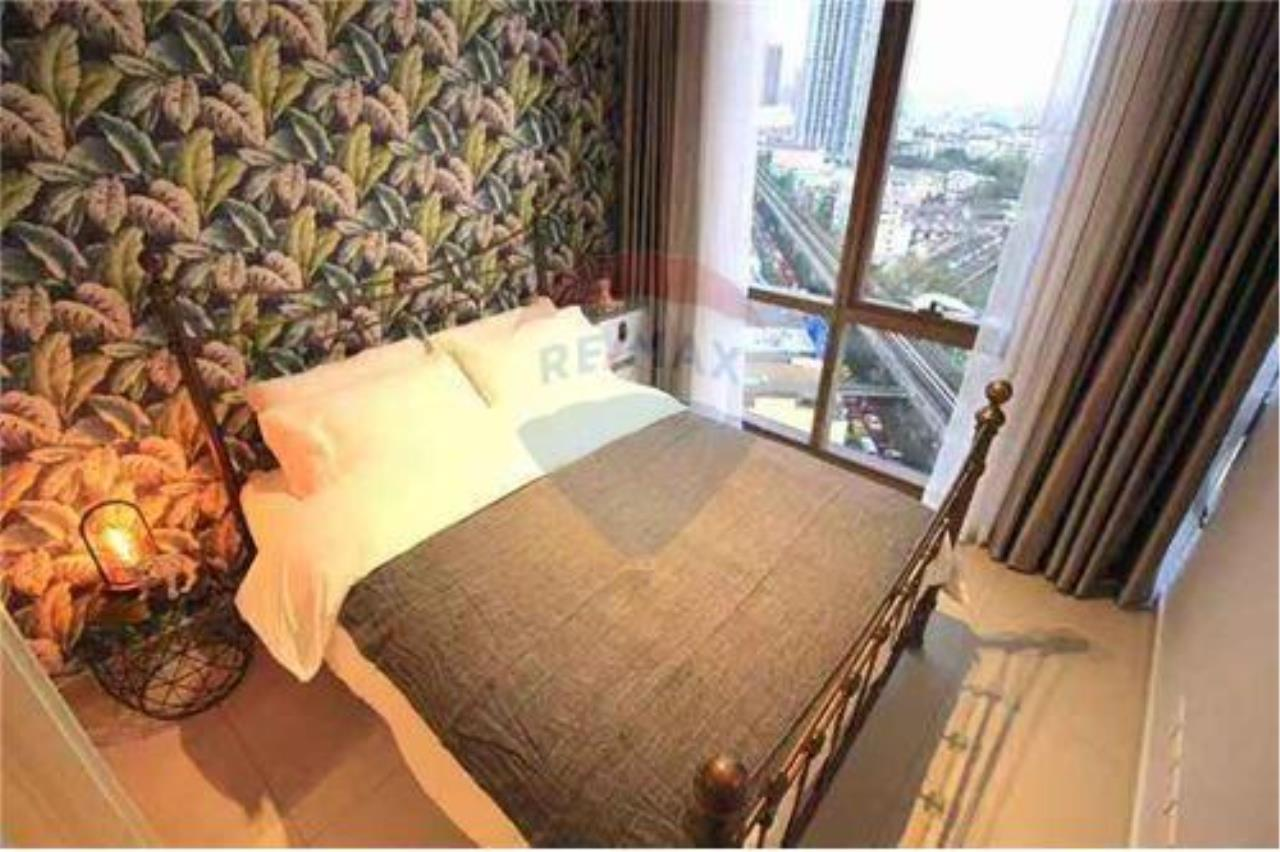 RE/MAX Executive Homes Agency's Modern 2 Bedrooms for Rent at Lofts Ekkamai 3