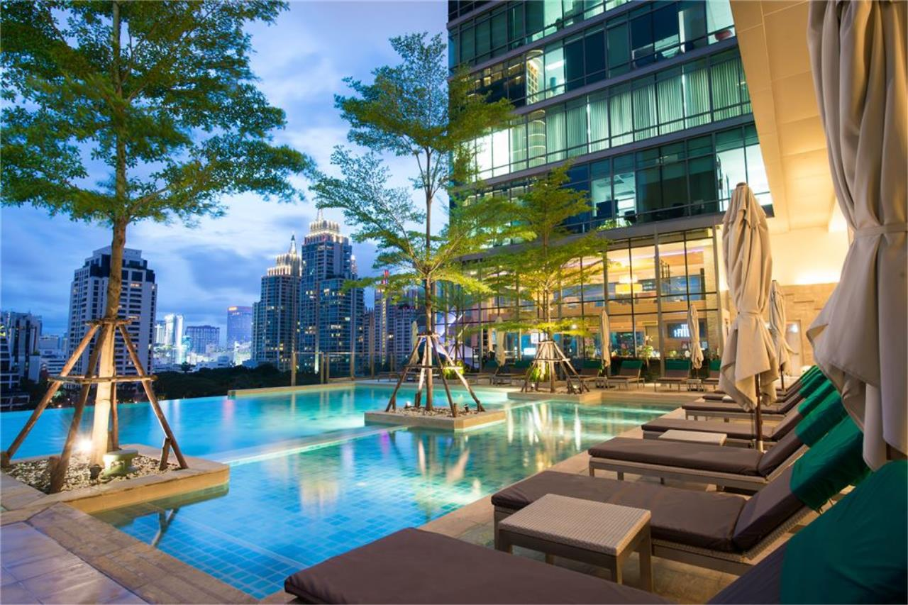 RE/MAX Executive Homes Agency's Sivatel Luxury Apartment in Ploenchit 6