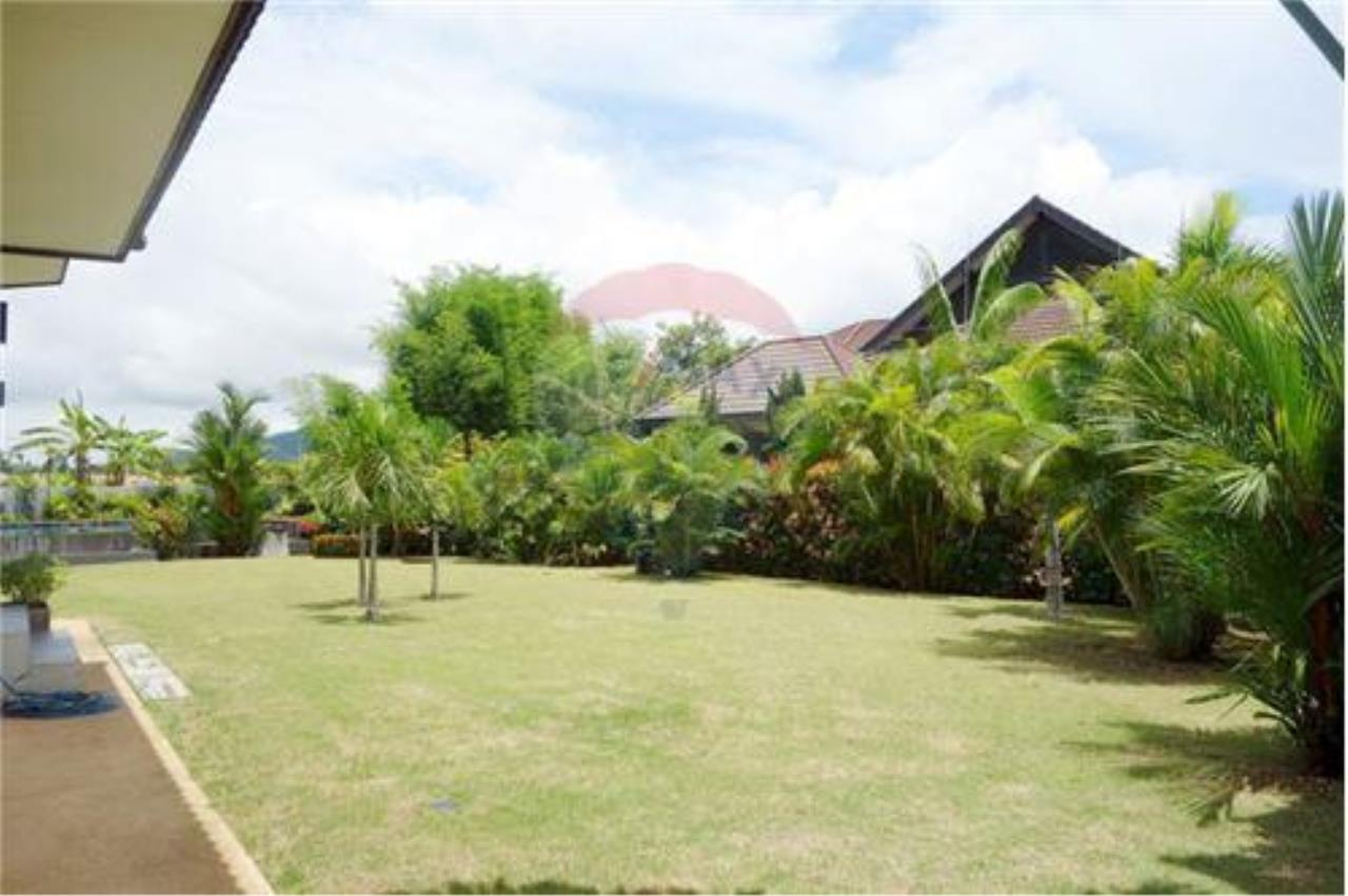 "RE/MAX Executive Homes Agency's ""Chai Dee"" 12.79 M in Baan Melanie plot K-2 14"