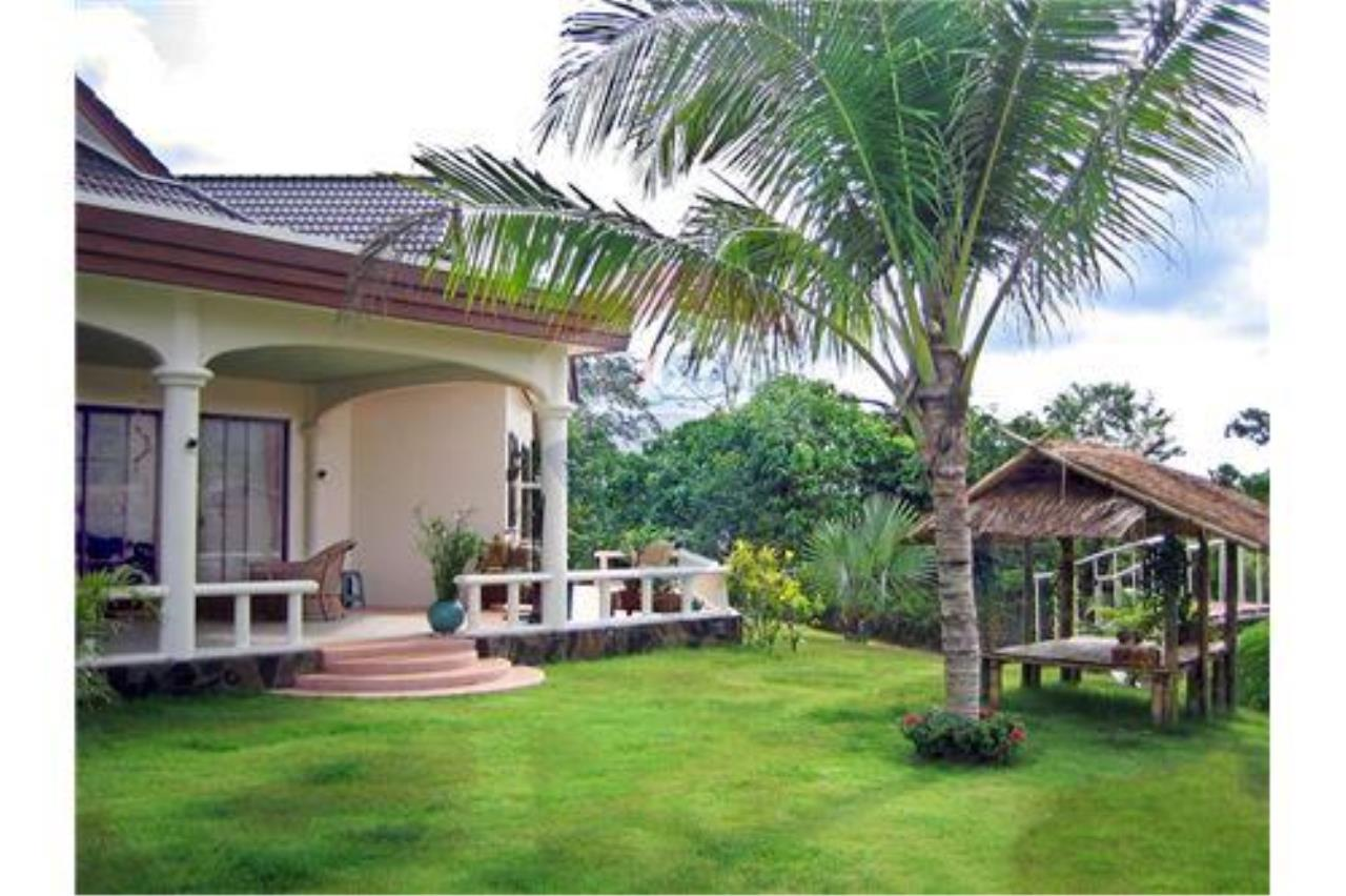 "RE/MAX Executive Homes Agency's ""Baan Maekok"" 12,85 M in Baan Melanie plot G-7 20"