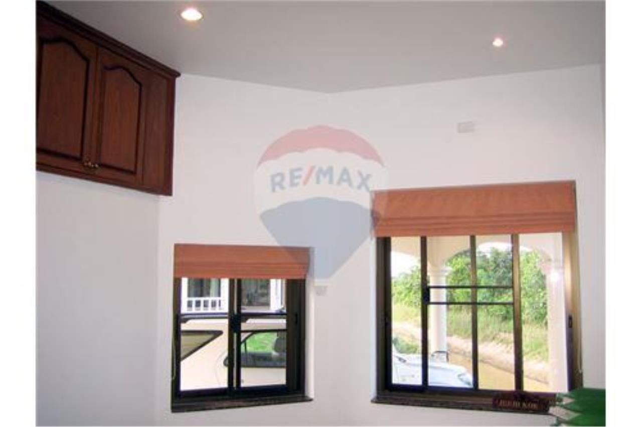 "RE/MAX Executive Homes Agency's ""Baan Maekok"" 12,85 M in Baan Melanie plot G-7 51"