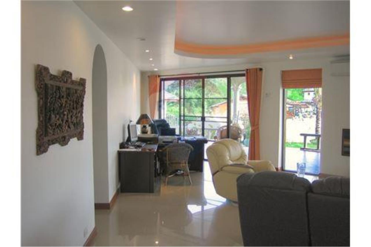 "RE/MAX Executive Homes Agency's ""Baan Maekok"" 12,85 M in Baan Melanie plot G-7 31"