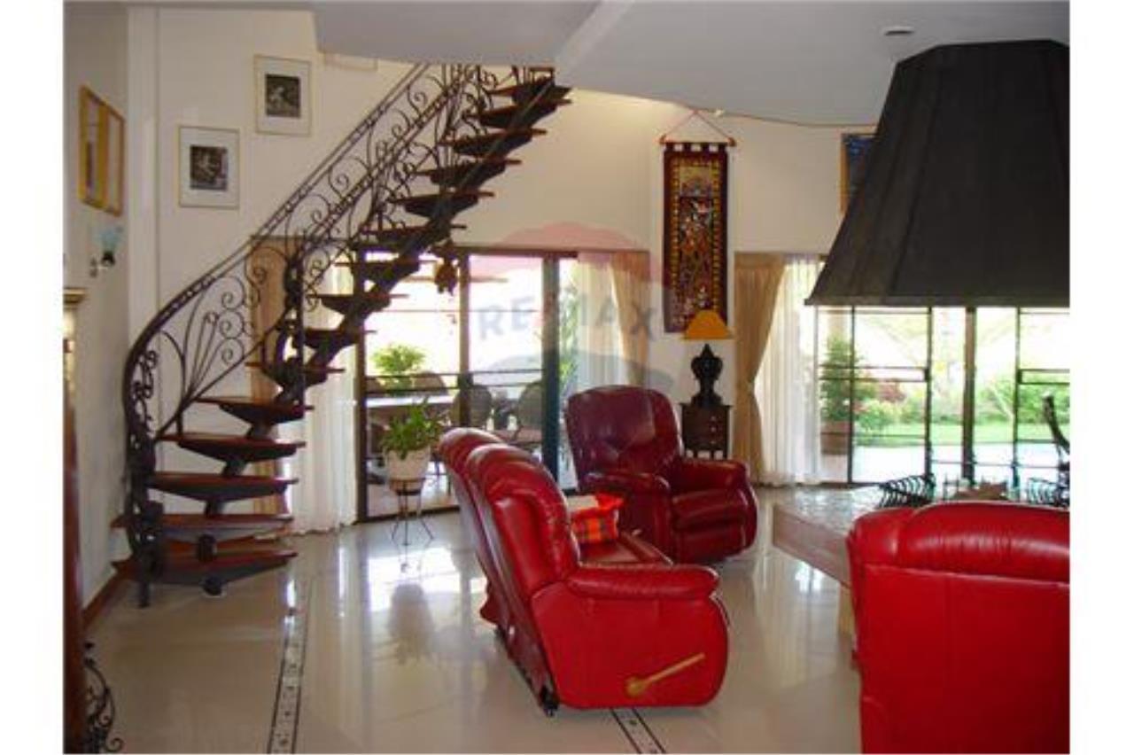 "RE/MAX Executive Homes Agency's ""Chom View"" 13.4 M in Baan Melanie plot G-7 14"