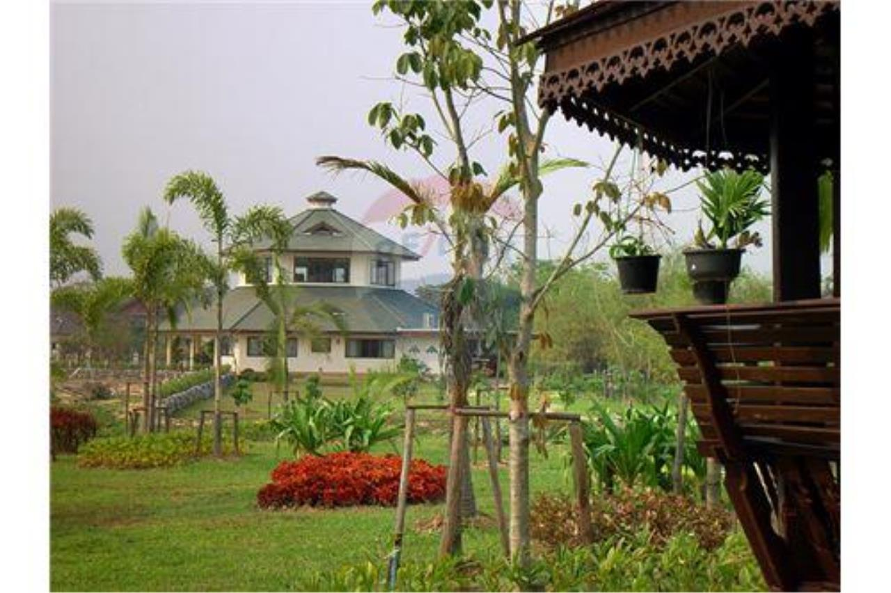 "RE/MAX Executive Homes Agency's ""Chom View"" 13.4 M in Baan Melanie plot G-7 12"