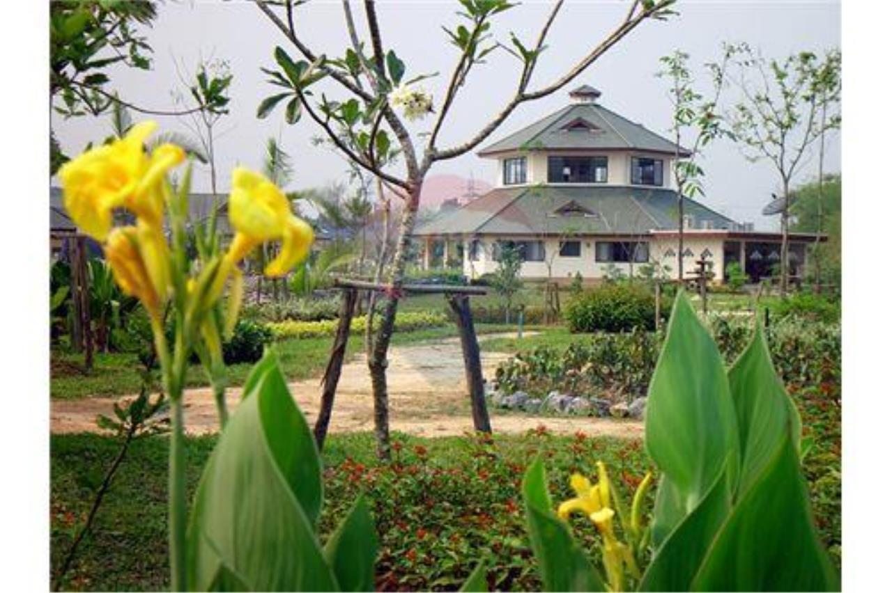 "RE/MAX Executive Homes Agency's ""Chom View"" 13.4 M in Baan Melanie plot G-7 13"