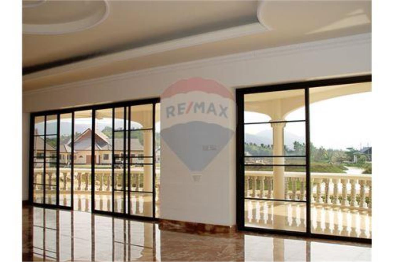 "RE/MAX Executive Homes Agency's ""Song Chan"" 13.95 M in Baan Melanie plot G-7 3"