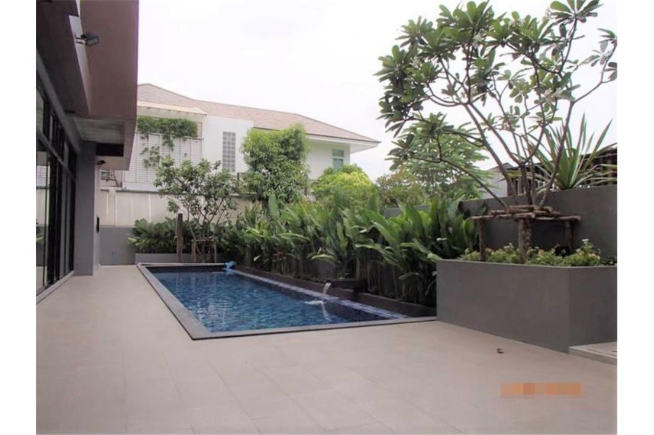 RE/MAX Executive Homes Agency's Single House with Private Pool  Sukhumvit 49 1
