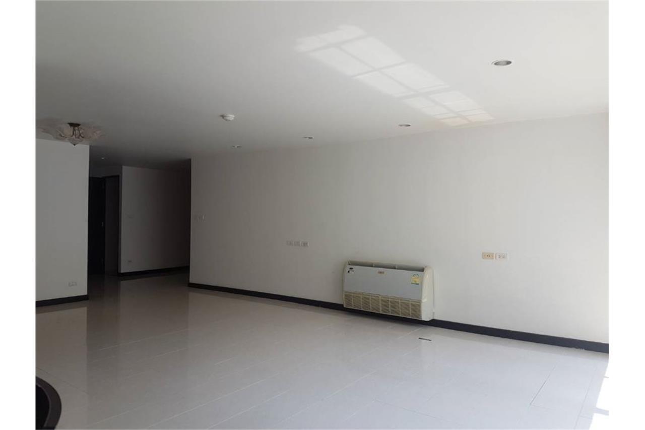 RE/MAX Executive Homes Agency's Avenue 61 Ekamai sale/rent 12