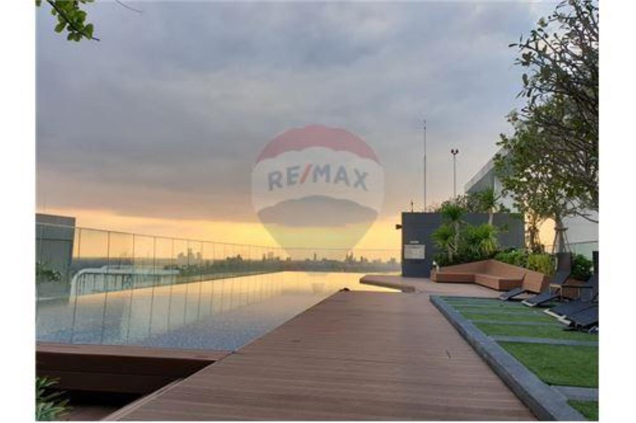 RE/MAX Executive Homes Agency's Life Sukhumvit 48 for sale/rent 1