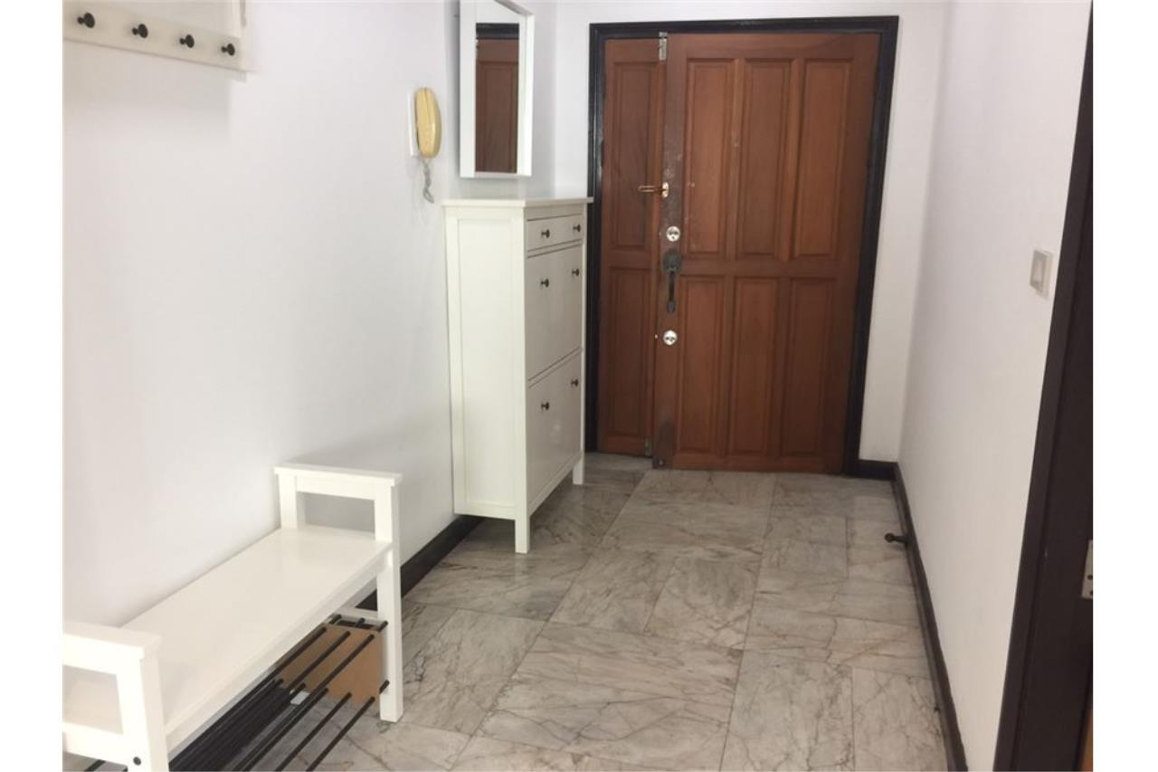RE/MAX Executive Homes Agency's Royal Castle 3Bedroom For Rent Full Furnished,Condo For Rent Prompong, BTS Prompong, Good Price, Good location 9