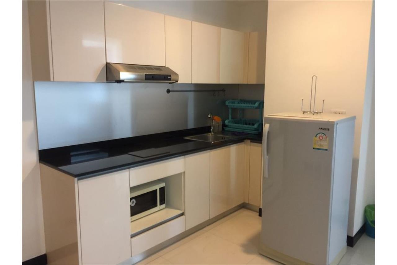 RE/MAX Executive Homes Agency's 1Bedroom For Sale VOQUE16, Fully furnished, Sukhumvit 16, BTS Asoke, MRT Sukhumvit 3