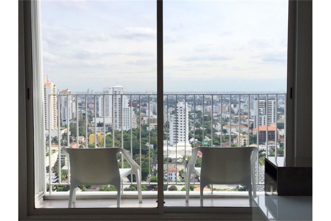 RE/MAX Executive Homes Agency's Condo For Sale 2Bedroom at HQ By Sansiri BTS Thonglo, Fully Furnished Luxury Furniture, Located Sukhumvit 55 4