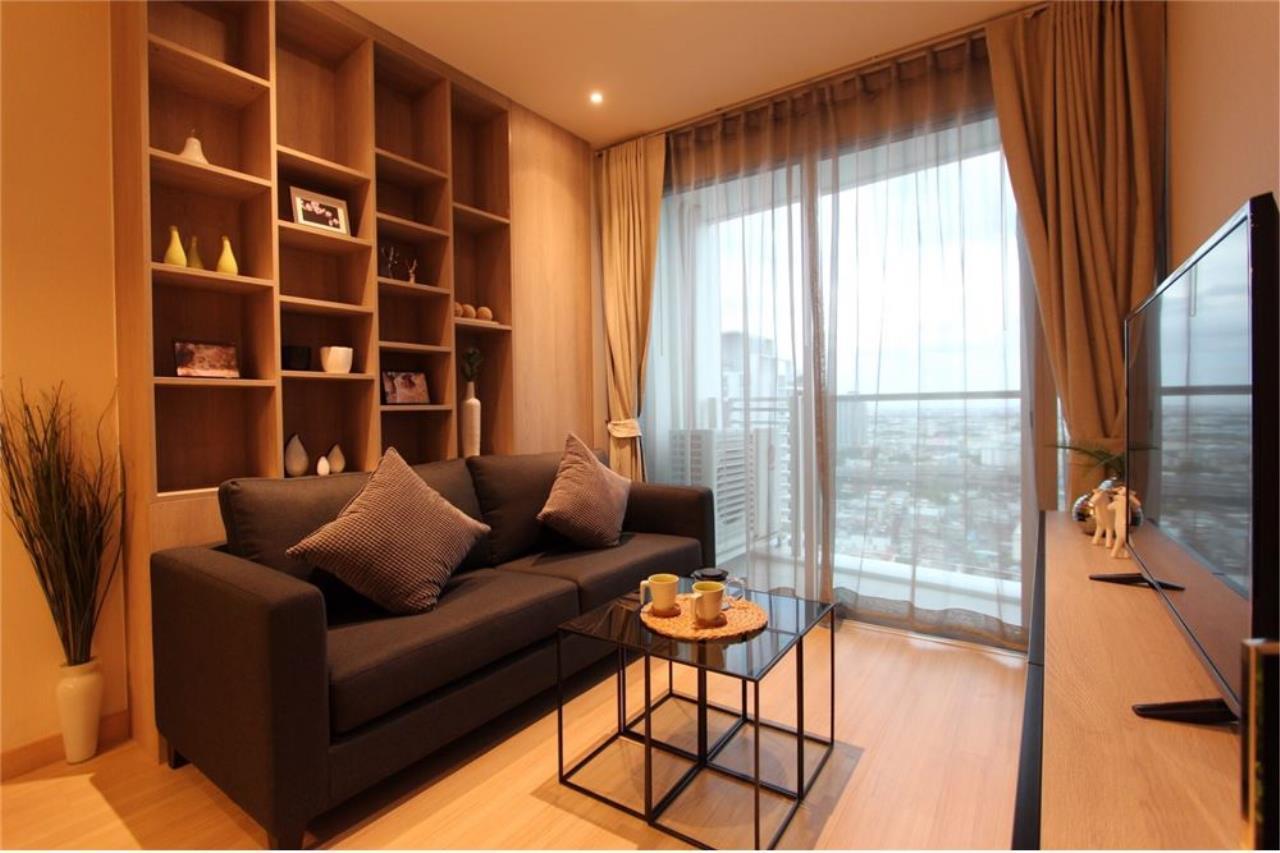 RE/MAX Executive Homes Agency's For Sale 2Bedroom At Sky Walk Condominium, Fully Furnished 5 Minuits to BTS Prakanong, Sukhumvit 1