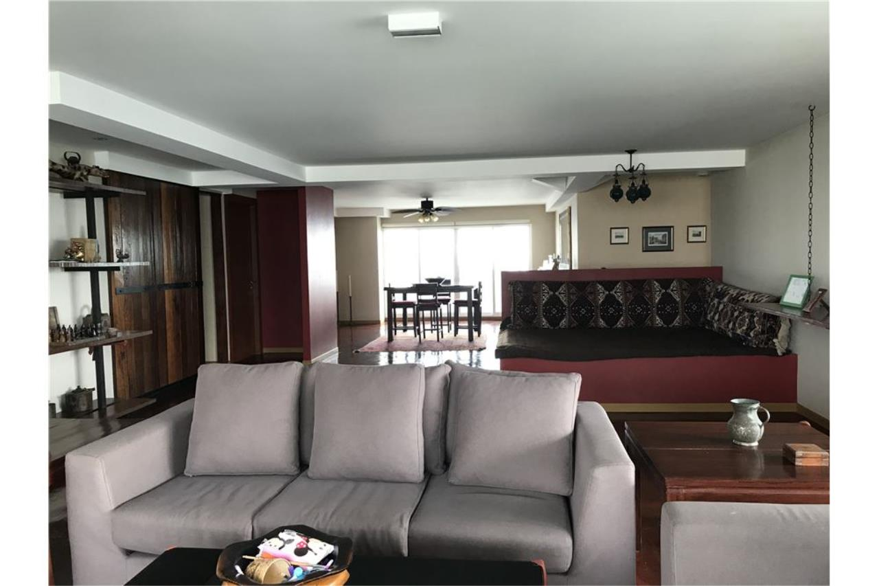 RE/MAX Executive Homes Agency's Penthouse for sales near BTS Phromphong 5