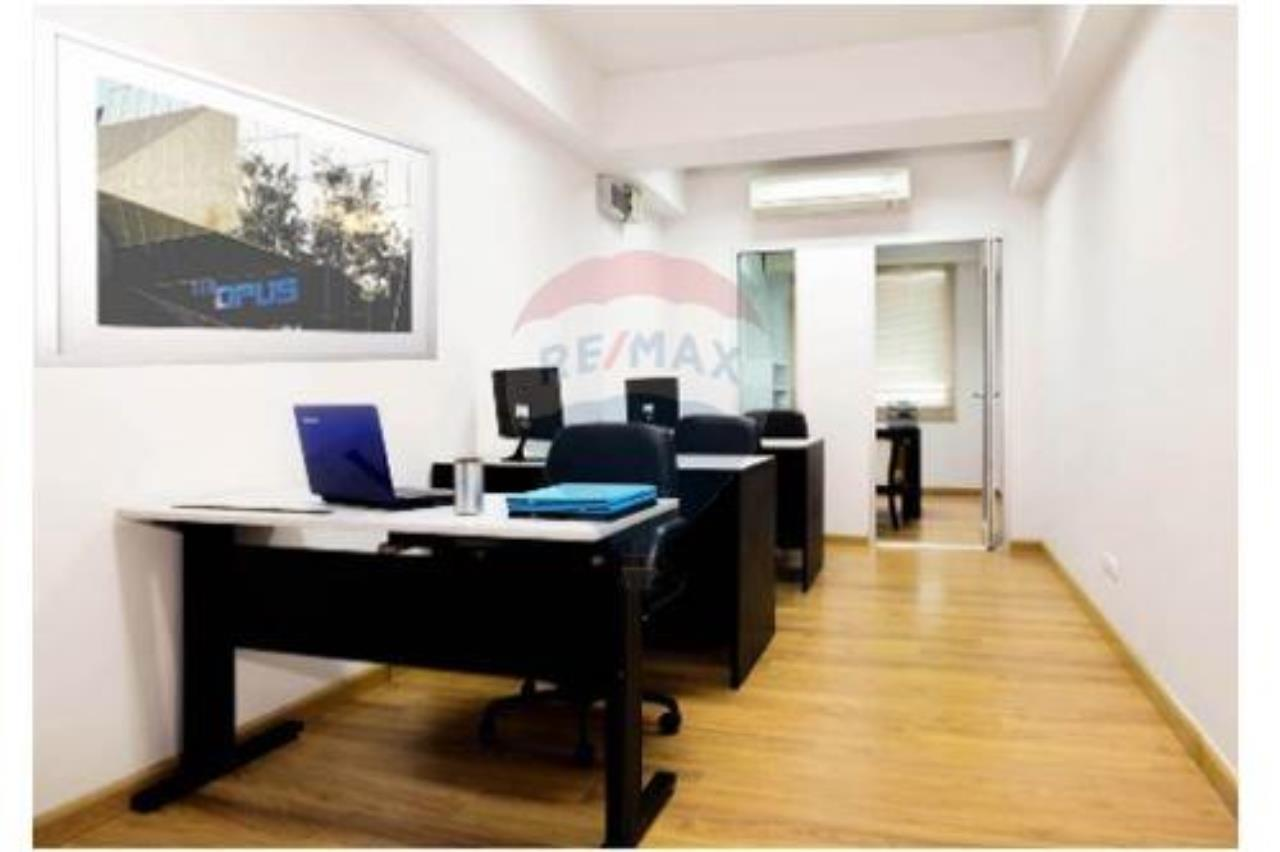 RE/MAX Executive Homes Agency's Empty space office for rent at Thonglor 2
