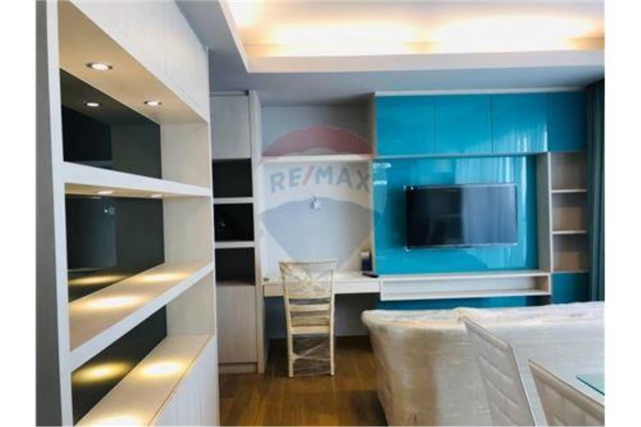 RE/MAX Executive Homes Agency's For rent The Lumpini 24 with furnitures, Near BTS 8