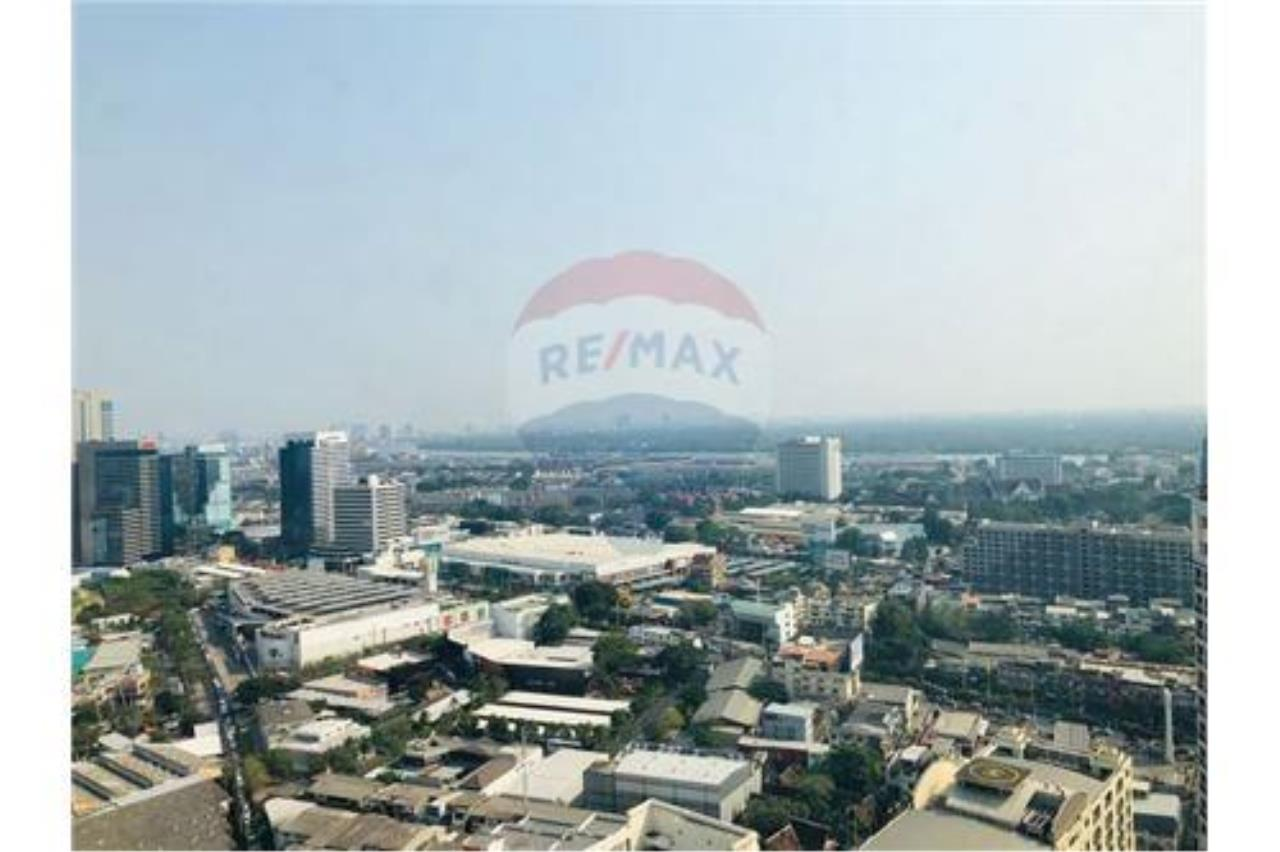 RE/MAX Executive Homes Agency's For rent The Lumpini 24 with furnitures, Near BTS 5