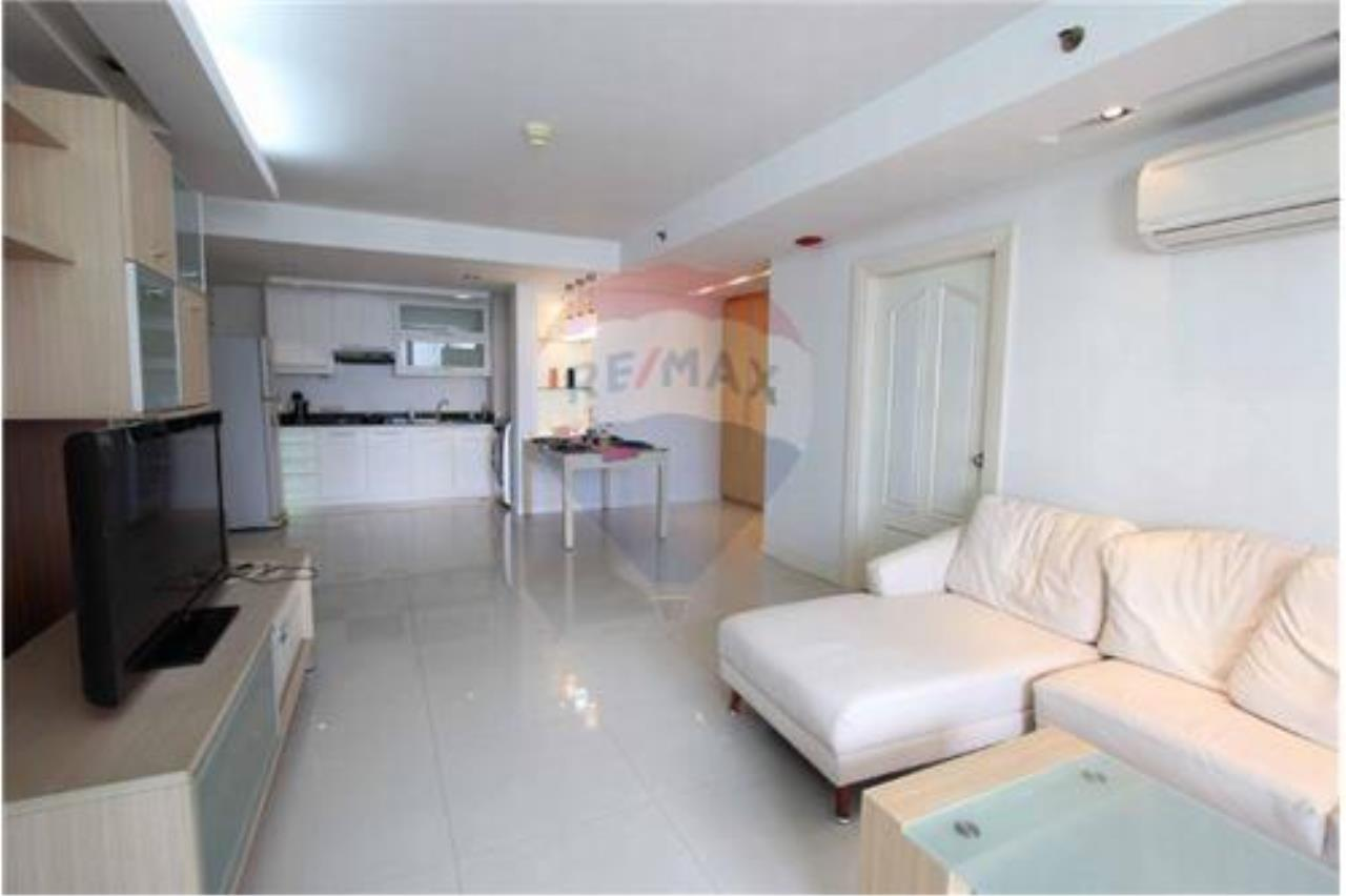 RE/MAX Executive Homes Agency's *For RENT* nice 2 beds @center of Asoke , 50K 1